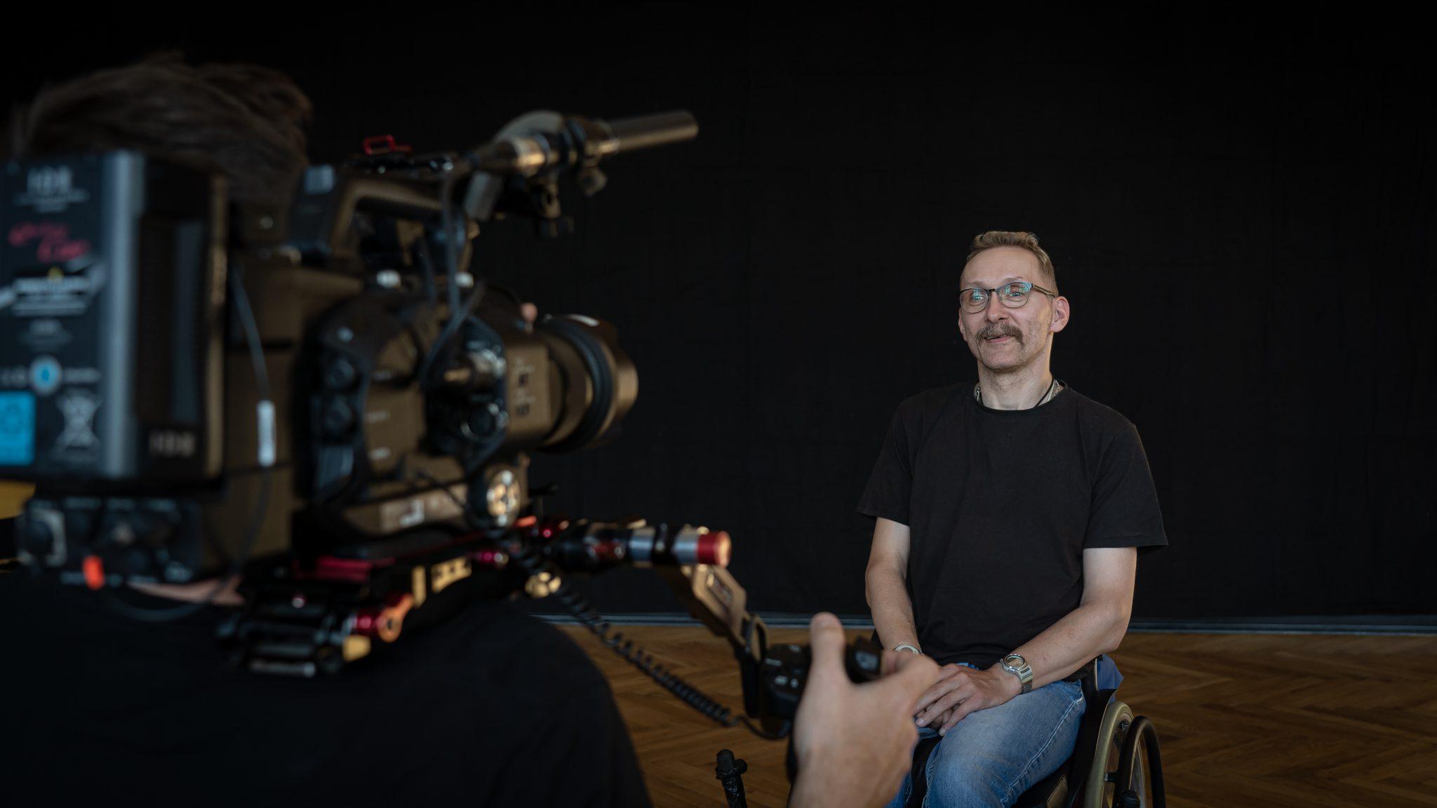 Filmdreh für die Aktion Mensch: Ein Tänzer im Interview